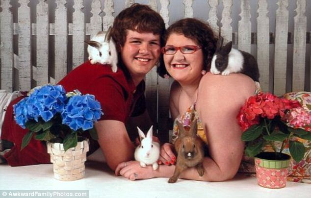 article 0 1901B07D000005DC 270 634x404 FUNNY BUNNY! The Worst Happy Easter EVER! In Pictures