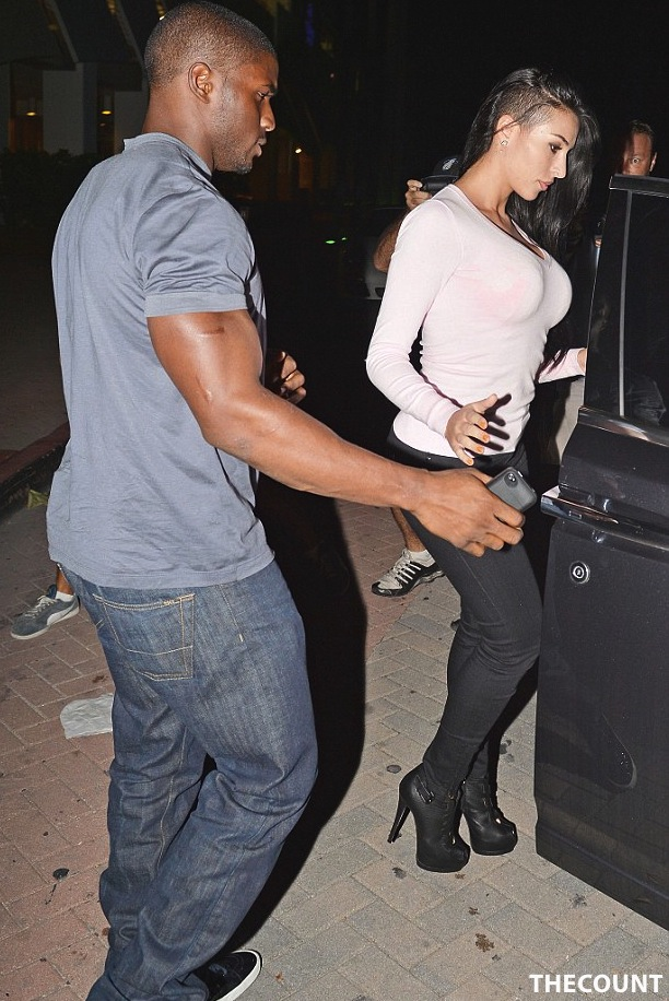 article 2217853 1582077A000005DC 413 634x949 Kanye West LOSES IT! After Reggie Bush Crashes Kim K Date Night