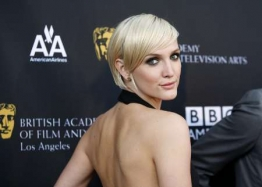 ashlee simpson Ashlee Simpson Says Im BACK! In Backless Stunner