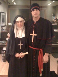 ashtondemi 225x300 Just a Normal Monday for Ashton Kutcher and Demi Moore