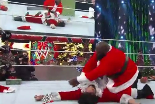 bad santa good santa WWE SOLVES Megyn Kellys White Santa Vs Black Santa Controversy