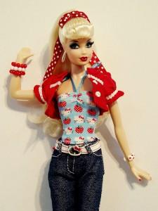 barbapple 225x300 Barbie is JEALOUS of Bratz!