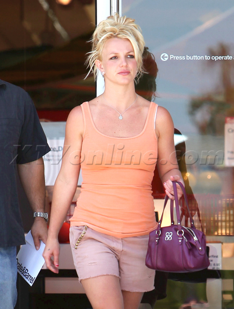 brit bald spot Britney Spears Has a Big Bald Spot