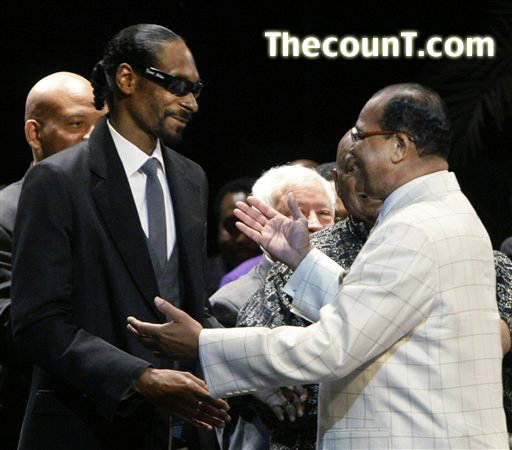 c821915d 4f9a 4e4b a915 9aa0104c6b87 Snoop Dogg Appears with Louis Farrakhan