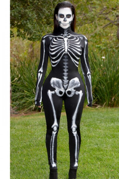 celebrity halloween costumes kim kardashian
