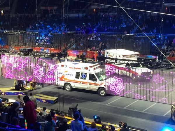 circus accident HORROR VIDEO: 8 Aerial Performers PLUNGE TO GROUND Ringling Bros Barnum & Bailey Circus