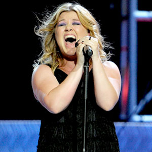 clarksonkelly Kelly Clarkson Gives Birth To Baby Boy