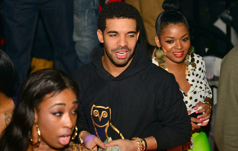 drake strip club money photos 015 480w Rapper DRAKE Going Bald?