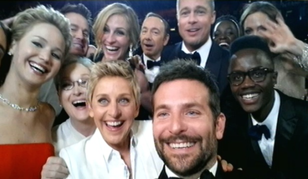 ellen oscars selfie