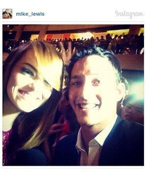 emma stone selfie