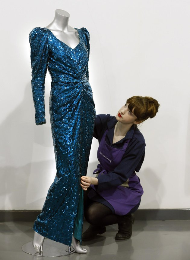 fa827dd42197cb072a0f6a706700712e Princess Diana Gown Worn Dancing With John Travolta Hits The Auction Block