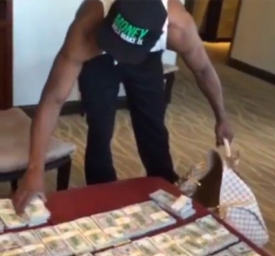 floyd mayweather stacks of money bed 2