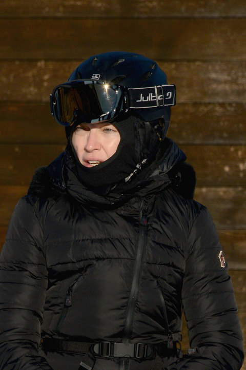 gallery_main-madonna-skiing-16