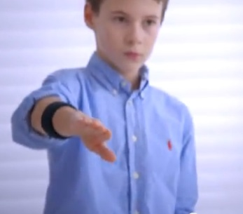 gesture bracelet Amazing Invention! Hand Gesture Bracelet Allows Remote AIR Control Of Electronics!