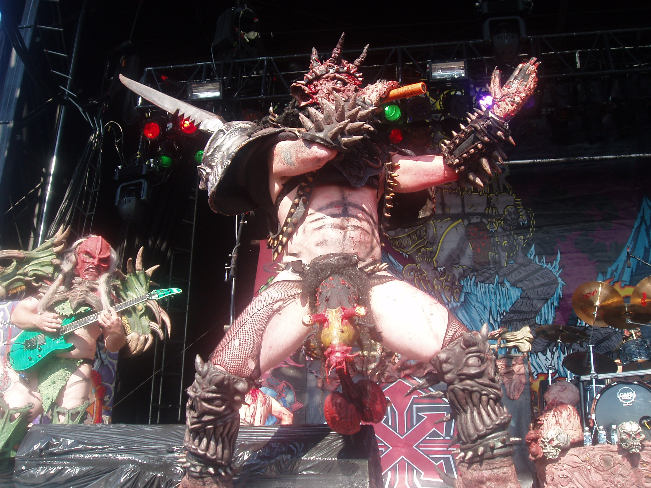 gwar1 GWAR Lead Singer DEAD At 50