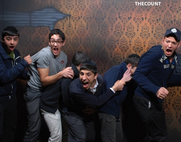 haunted house photos 2 Hilarious Haunted House FREEZE FRAME!