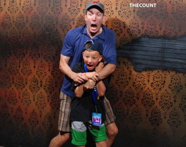 haunted house photos 3 Hilarious Haunted House FREEZE FRAME!