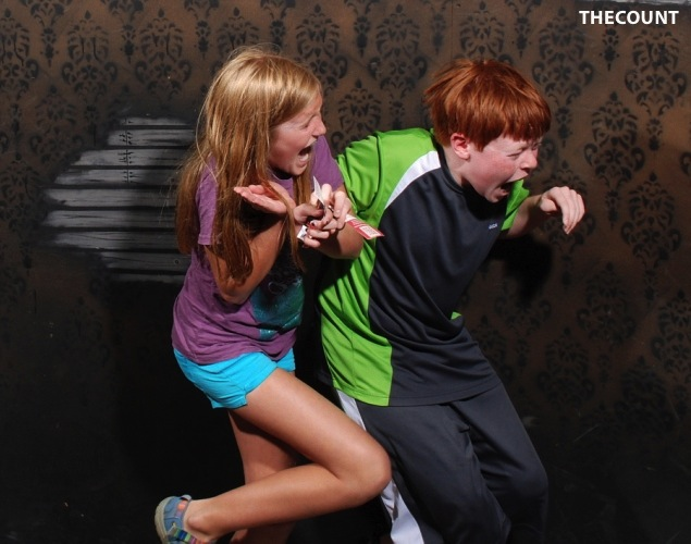 haunted house photos 7 Hilarious Haunted House FREEZE FRAME!