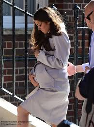 KATE MIDDLETON LOOK ALIKE FOOLS Hospital MEDIA Stakeouts!!!