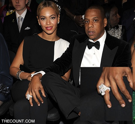 jay z illuminati ring grammys 1 Jay Zs Illuminating Ring (Photos)