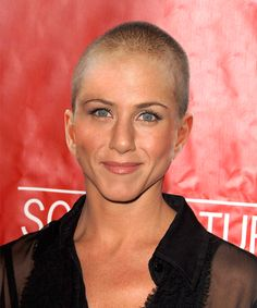 jen aniston bald Jennifer Aniston SHAVED HEAD Photo FAKE Goes Viral Anyway