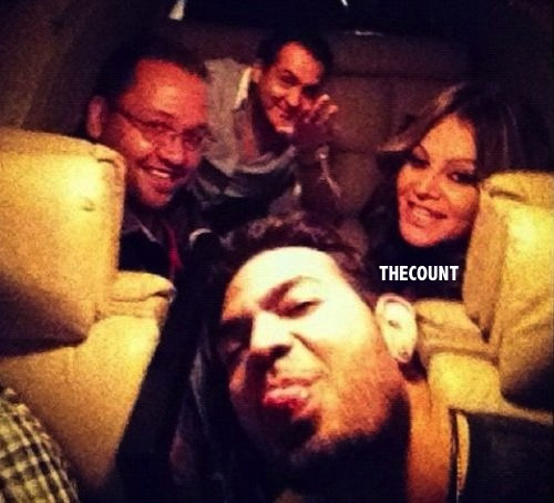 jenni rivera avion antes del despegue 4877 5963 Jenni Rivera Pictured In Plane Moments Before Fatal Crash