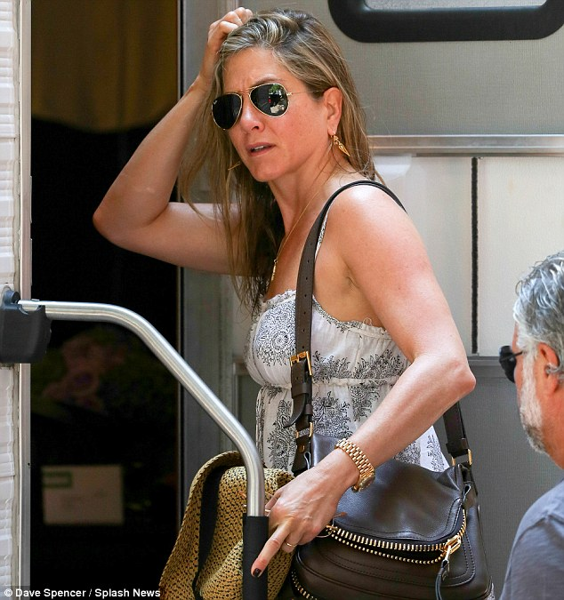 jennifer aniston pregnant 1