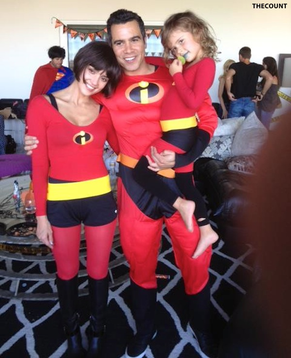 jessica alba halloween incredibles Jessica Alba And Family INCREDIBLES Halloween Costumes