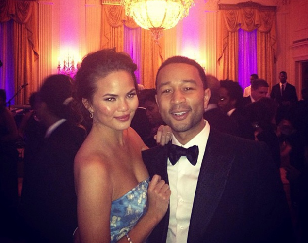 john legend chrissy teigen John Legend Fiancée Accidentally Posts Risque Photo On Instagram (worksafe)