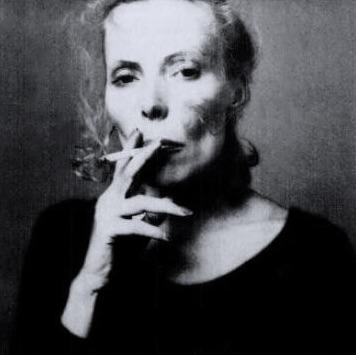 joni mitchell smoker 4