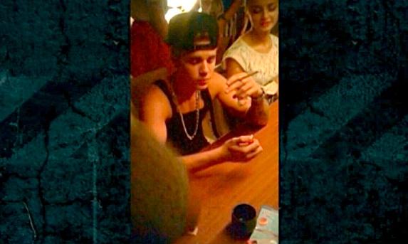justin bieber grande blunt Justin Bieber Ariana Grande SMOKING A BLUNT???
