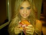 kate-upton-innoutburger