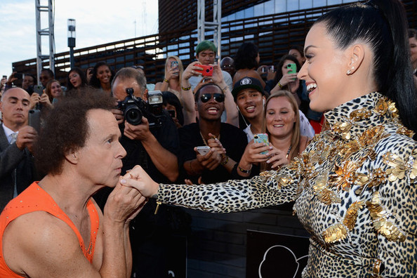 katy perry richard simmons  80s Workout Queen Richard Simmons Snags Katy Perry At The MTV VMAs