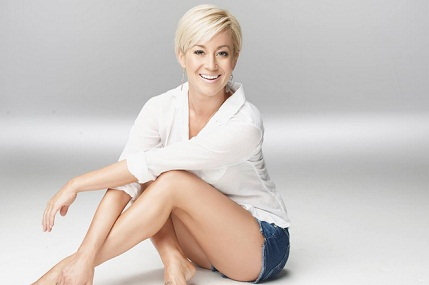 kellie-pickler-the-woman-i-am-promo