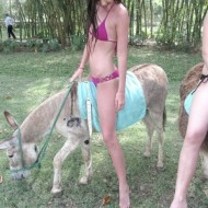 kendall jenner riding donkey 190x190 Why Is Kendall Jenner Riding A Donkey? (PHOTOS)