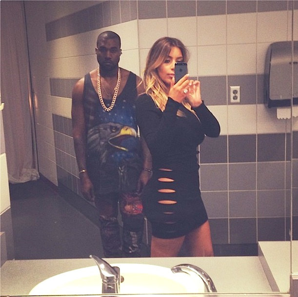 kenye kim k selfie bathroom
