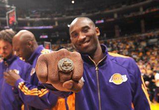 kobe ring 1 KOBEs MAMA JACKED 2000 Lakers Championship Ring SELLS $175K!
