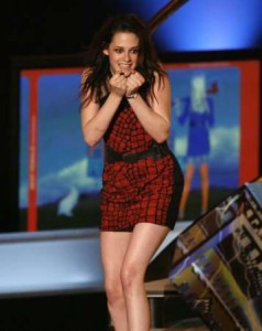 Kristen Stewart is an clumsy as Bella