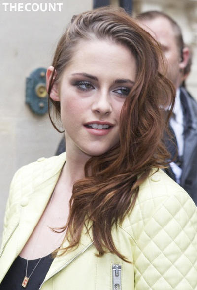 kristen stewart paris picture Kristen Stewart Looking Like REAL LIFE VAMPIRE