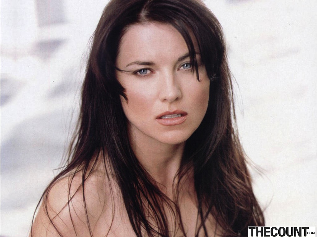 lucy-lawless-605725l