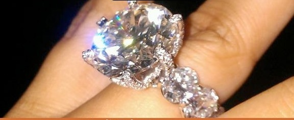 mayweather engagement ring11 Floyd Mayweather Engagement Ring A Trinket   Compared To This Rock