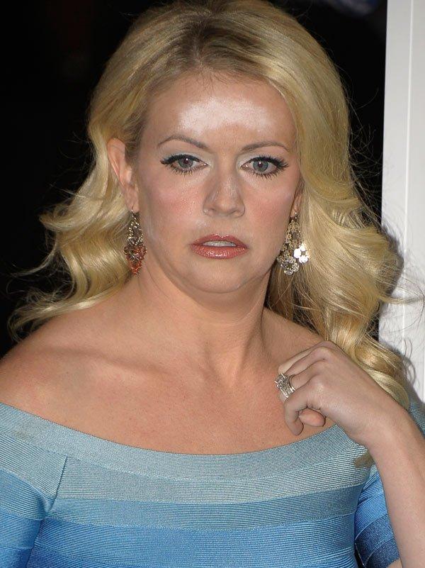 melissa-joan-hart-makeup-malf-ftr