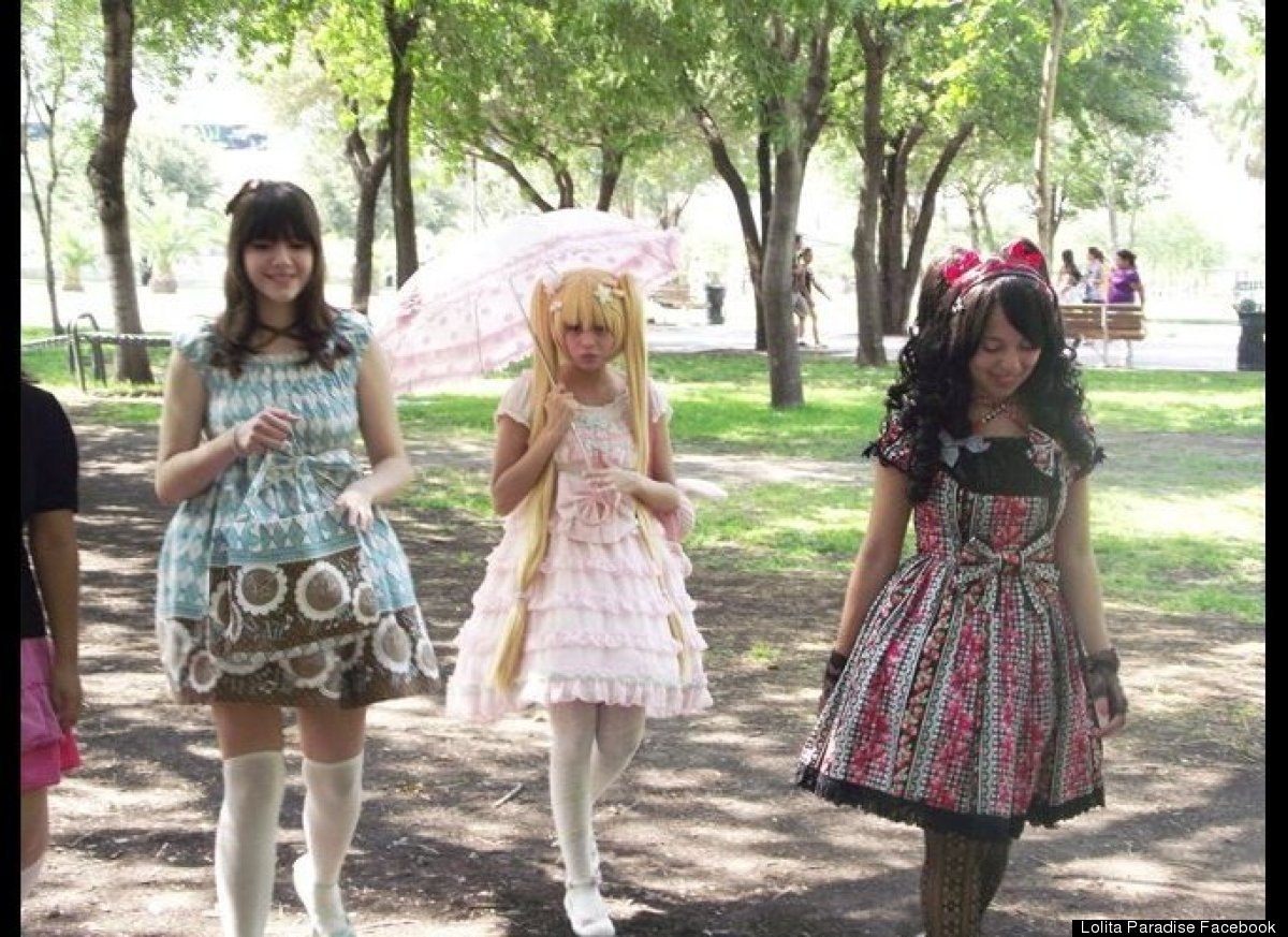 mexican girls dress up like dolls 4 Latin Girls Adopting Human Barbie Doll Lolita Look