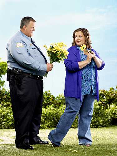 mike molly cbs cast 01 Mike And Molly Rasist?