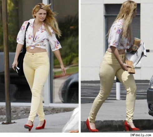 mischa barton1 490x438 Mischa Bartons Weekend Easter Look  High and Waisted