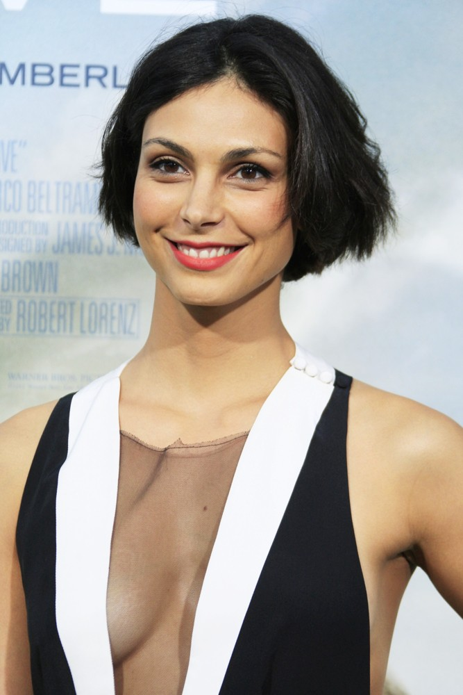 morena-baccarin-premiere-trouble-with-the-curve-04
