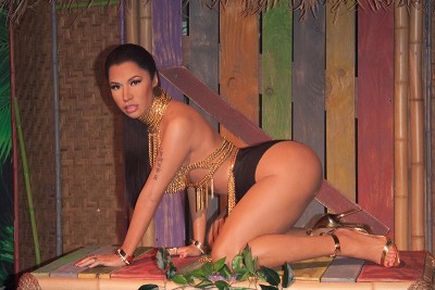 nicki minaj wax figure Madame Tussauds all fours1 400x267 HOLY COW! Have You Seen Nicki Minaj New Wax Figure At Madame Tussauds?