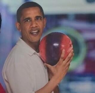 obama-bowling-white-house-photo
