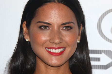 oliviamunneyes Olivia Munn Plucked Her Way Into Success
