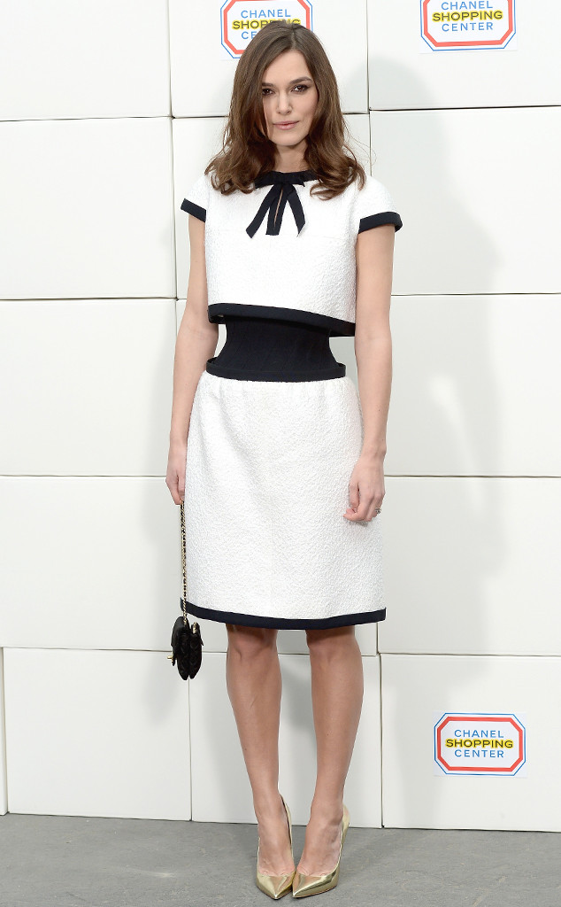omg-keira-knightley-shows-off-insanely-small-waist-in-surprising-chanel-dress